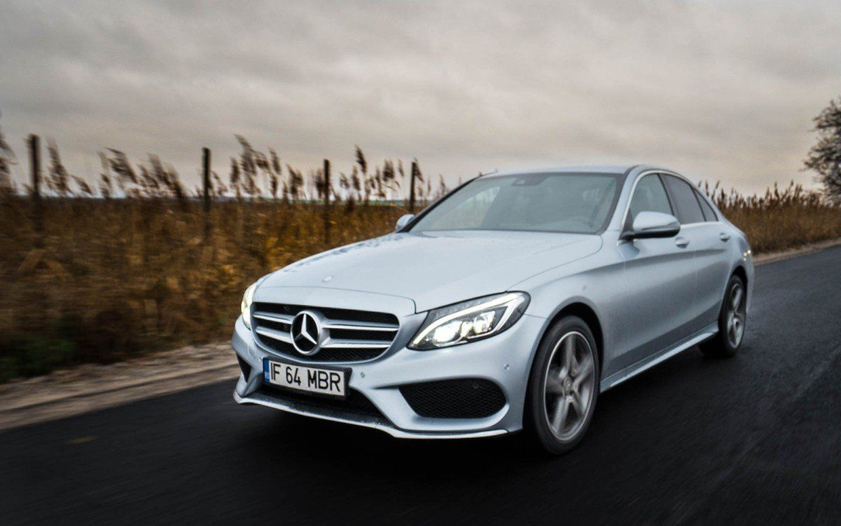 2016 Mercedes-Benz C200 4Matic Test Drive - The Shrunken S ...