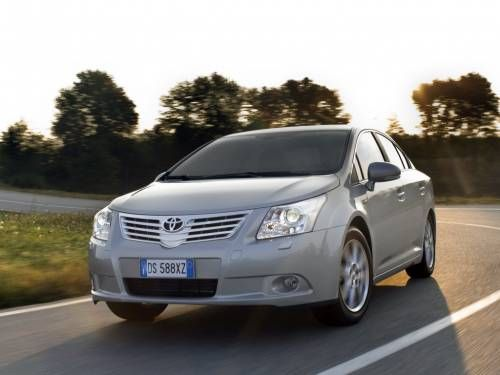 Toyota Avensis (T270) review, specs, problems