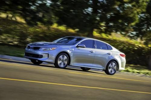 2017 Kia Optima Plug-in Hybrid Is the Automaker's First PHEV