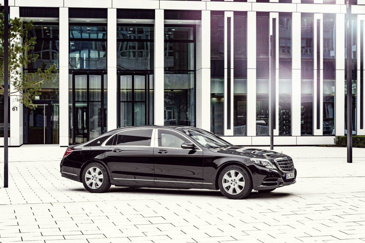 armored mercedes-maybach s600 guard costs €470,000… before taxes