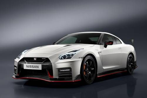 2017 Nissan GT-R Won't Go Away Without a Fight, Spawns Nismo Version