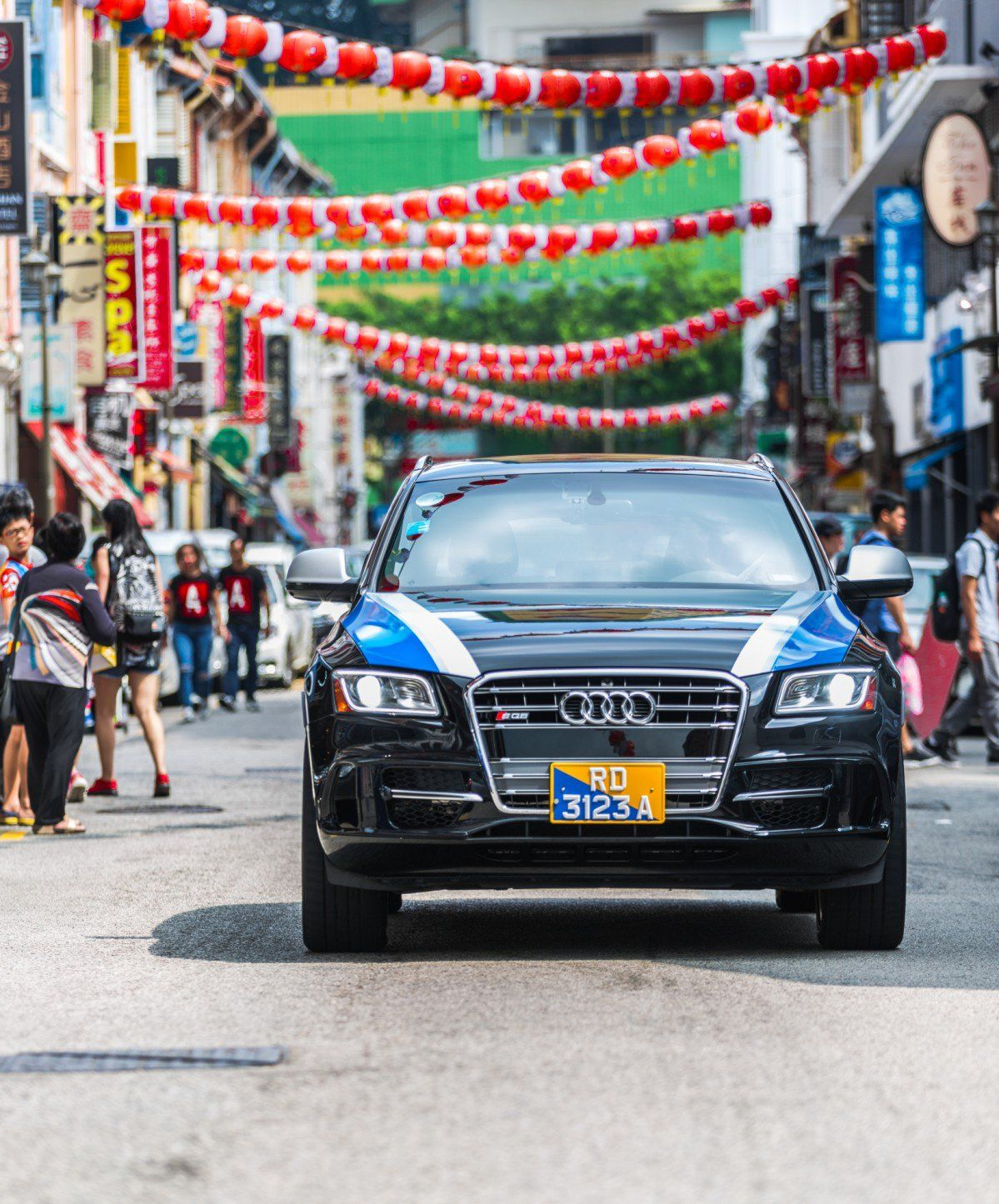 Self-Driving Delphi Taxis Prepare for Singapore Streets Test