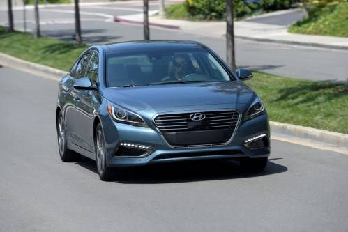 Hyundai Details New Sonata PHEV With Claimed 27 Miles of Electric Range