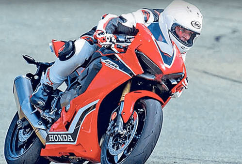 Honda sharpens the Fireblade. Will it match the superbike leaders?