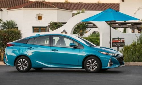 Toyota to Recall 320,000 Prius Hybrids Over Faulty Parking Brake