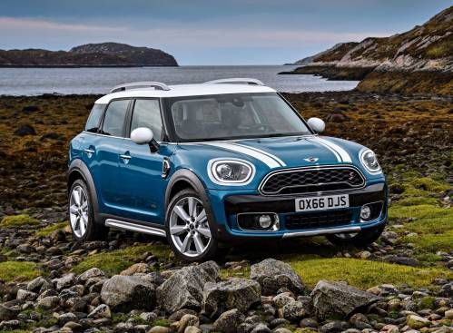 2017 Mini Countryman Can Effortlessly Swap the Mini for Maxi