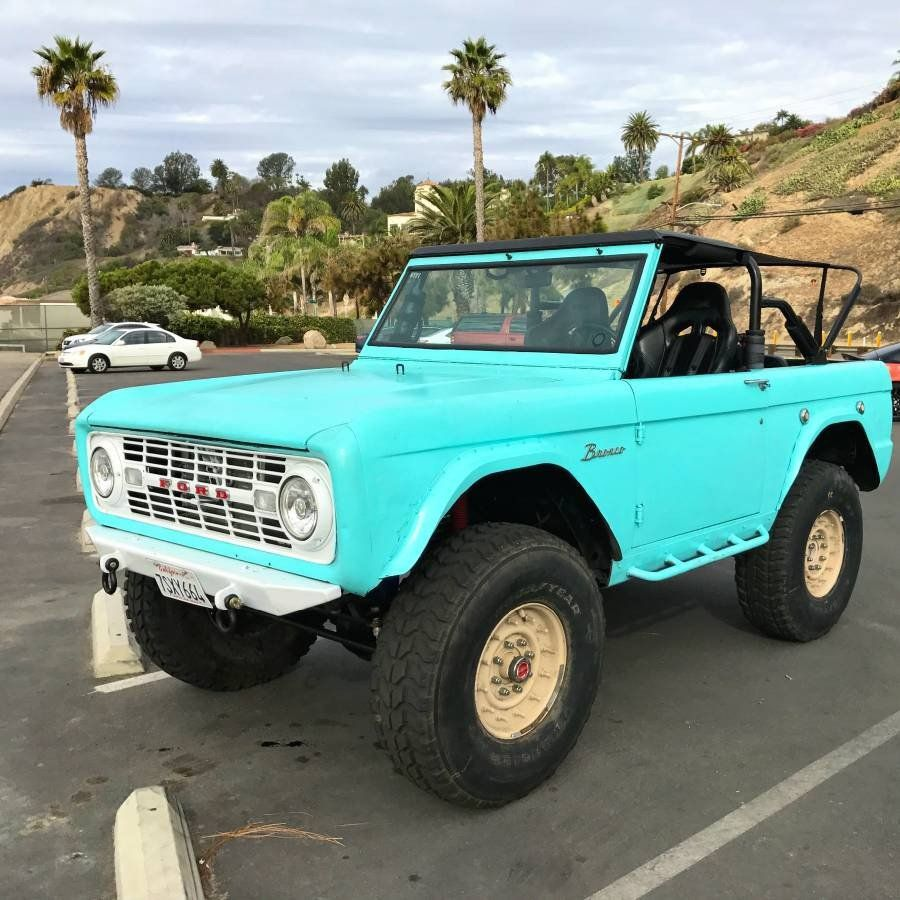 1970 Ford Bronco Casually Sitting on Military-Grade Hummer ...