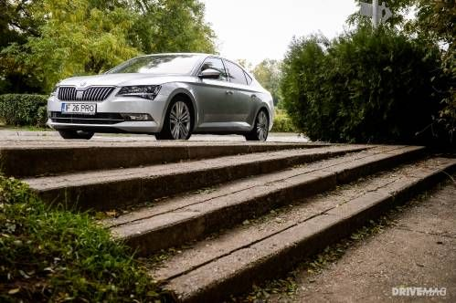 2016 Skoda Superb 2.0 TSI 220 DSG Test Drive - One Big Sedan You Should Totally... Czech Out