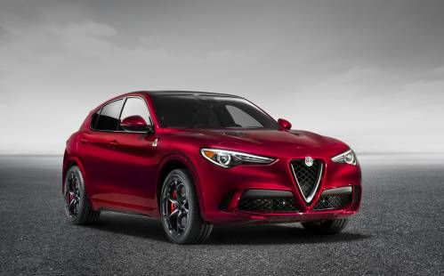 2018 Alfa Romeo Stelvio Sports Giulia Styling Cues at LA Auto Show