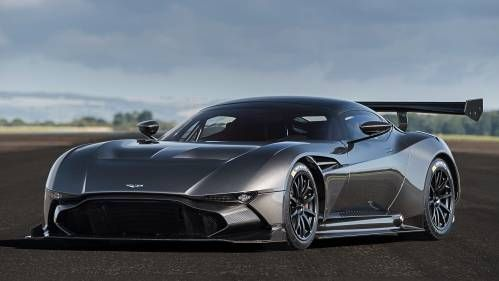 Chris Harris Drives the Aston Martin Vulcan, Finds it Physical and Face Bending