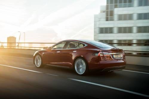 NHTSA Says Tesla Autopilot Not at Fault for Joshua Brown's Crash