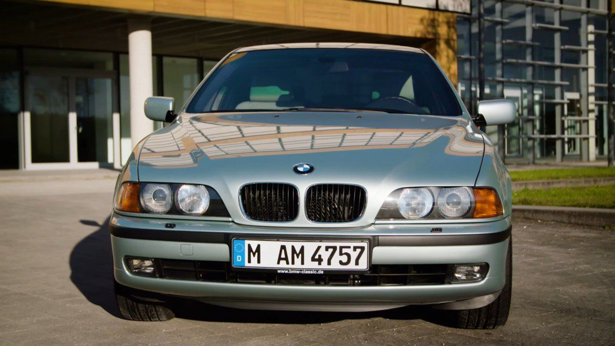 Video The Bmw 5 Series E39 1995 2004 Through The Years