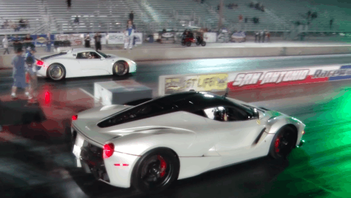 Here's What a LaFerrari vs 918 Spyder $3m Drag Race Looks Like
