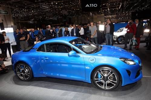 2018 Alpine A110 Has 252 HP 1.8L Turbo Engine, Goes From 0 to 100 Km/h in 4.5 Seconds