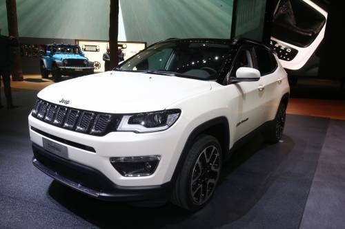 2017 Jeep Compass Arrives in Europe With Three Diesel Engines