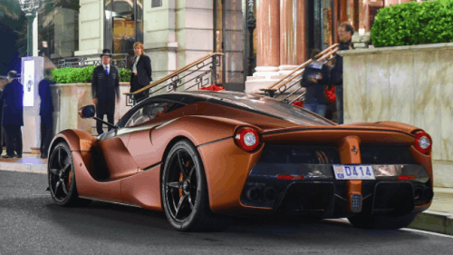 Tailor-Made Bronzo Opaco Ferrari LaFerrari looks coated in caramel