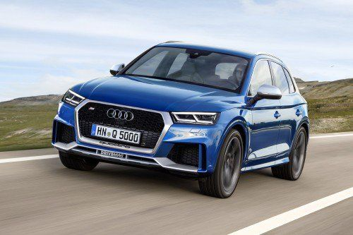 Sporty Audi RS Q5 and RS Q2 show their true colors