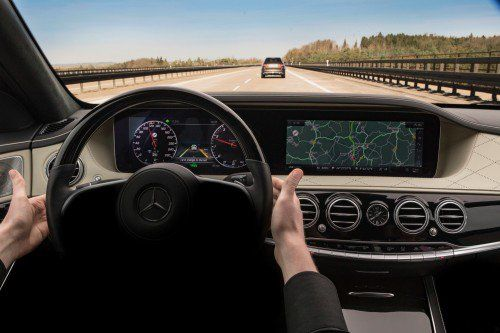 Step by step towards automated driving: facelifted Mercedes S-Class shows interior, safety tech