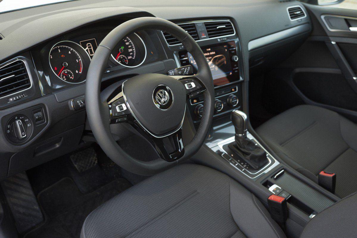 VW Golf 1 6 TDI Comfortline DSG Test Drive - No face, no