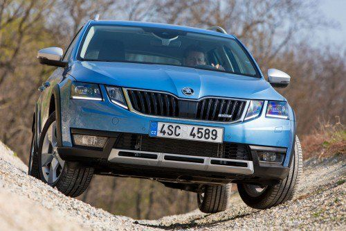 2017 Skoda Octavia Scout Receives New Family Face Too