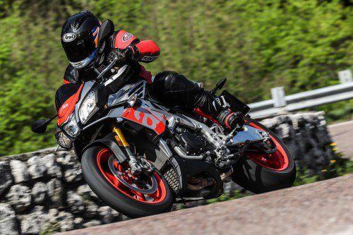 2017 Aprilia Tuono V4 1100 Test Ride