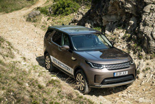 2017 Land Rover Discovery 2.0 SD4 HSE Luxury Test Drive: Midlife crisis turns Disco into Range Rover...