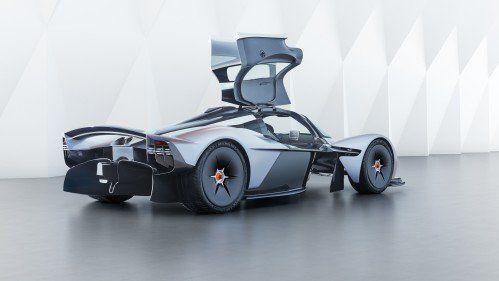 Secret-free: Aston Martin Valkyrie exposes cockpit design, almost final exterior cues