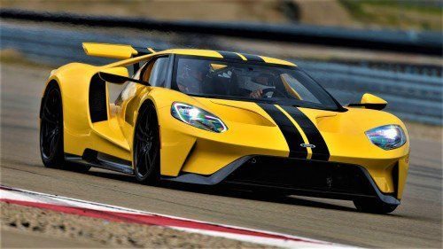 Ken Block drives the Ford GT, asks if it can do burnouts