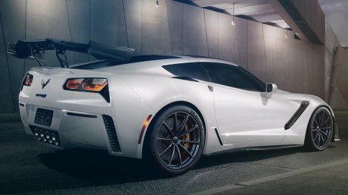 2019-zr1-corvette-hennessey-performance-white-wheels-rear