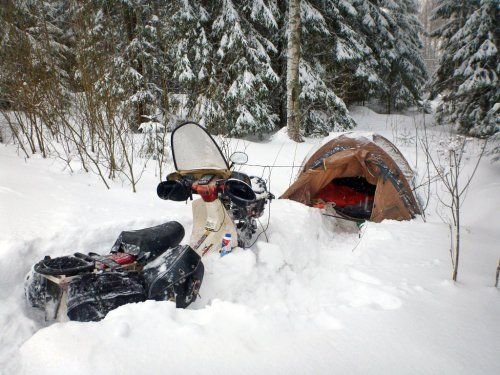 ed-march-with-c90-scooter-camping-in-snow