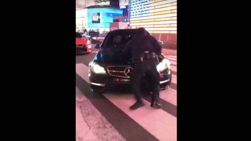 Mercedes-AMG-C63-attemps-to-run-over-cop