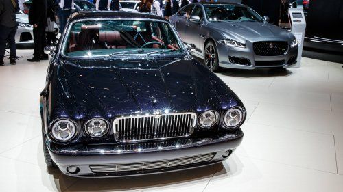 1984-Jaguar-XJ6-Series-3-Greatest-Hits-by-Jaguar-Classic-0