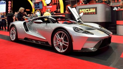 2017-Ford-GT-0