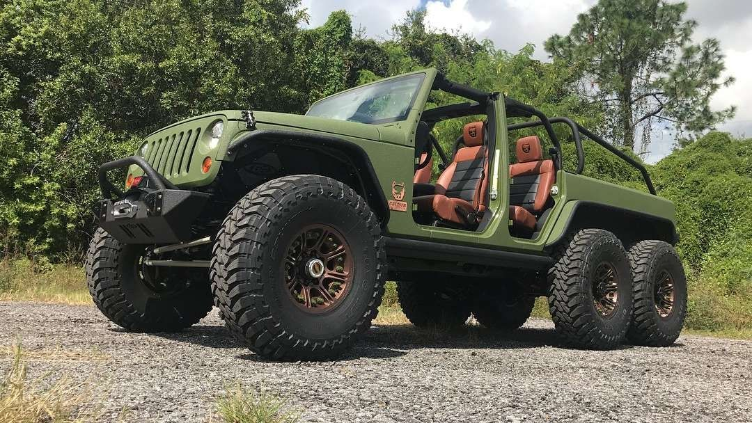 Bruiser Conversions Jeep Wrangler 6x6 is a hard thing to miss