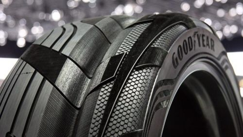 Electric-Vehicle-Tire-can-CHarge-777x437
