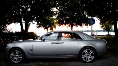 rolls royce ghost review by speed comparer