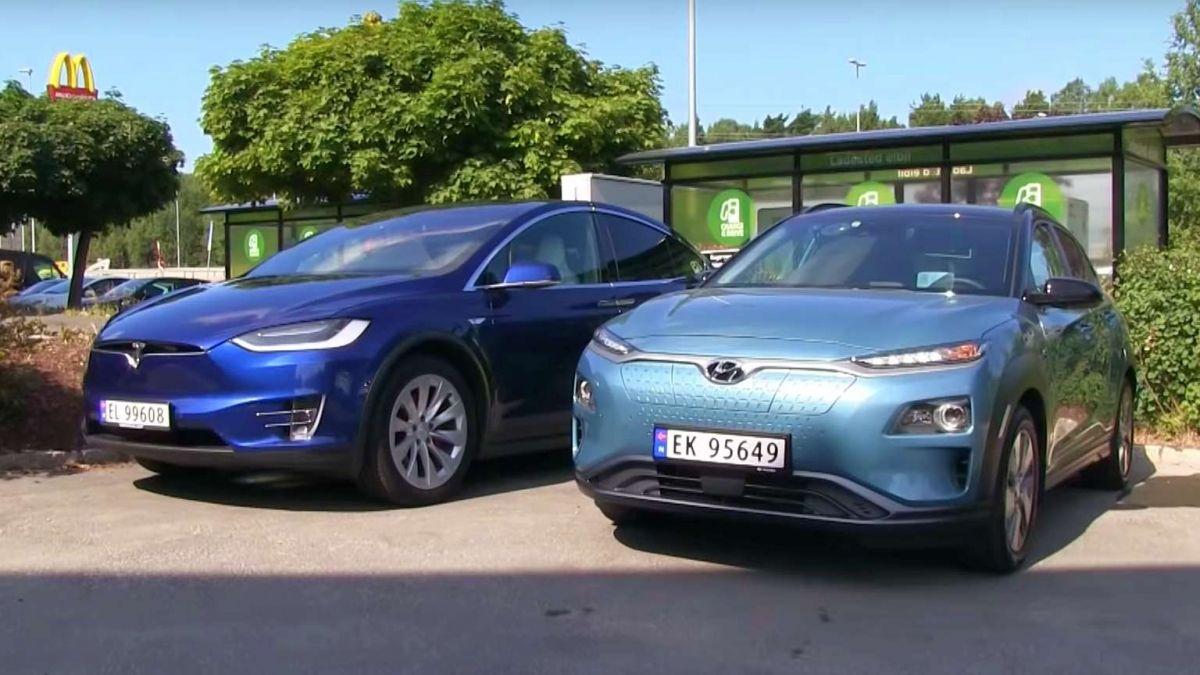 Tesla Model X runs against Hyundai Kona in 600-mile EV race