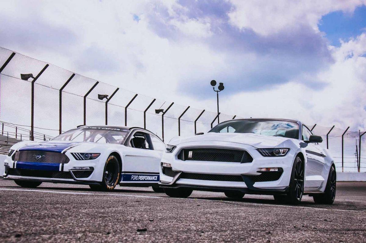 Nascar Mustang Hp
