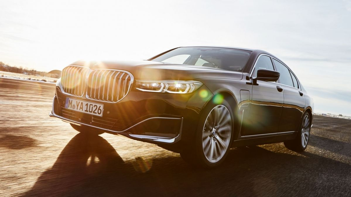 New 2019 Bmw 7 Series Plug In Hybrid Has An Impressive Electric Range