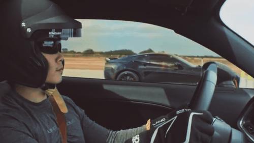 corvette-challenger-drag-race